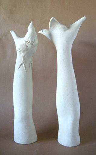 Bras saufs (Ht 39 X 12 X 7 cm Céramique blanche en encre de Chine)
