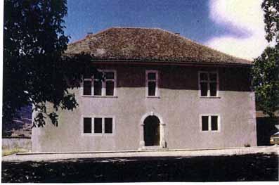 façade Lien vers: http://www.terrus.fr/uploads/TerrusSculptureMarcRestauration/Roissard_20101221170338_20101221170433.pdf